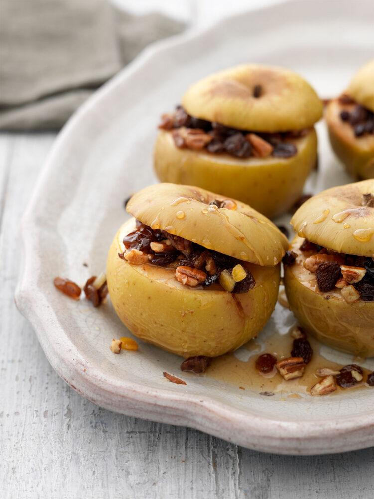 Maple pecan baked apples