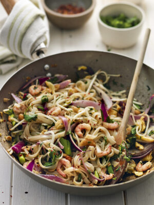 quick meals pad thai with prawns
