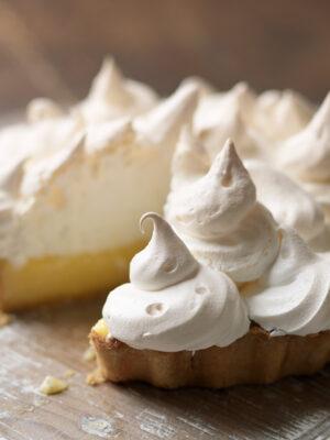 Lemon meringue pie sliced